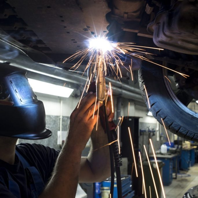 welding-a-car-chassis-1024x684